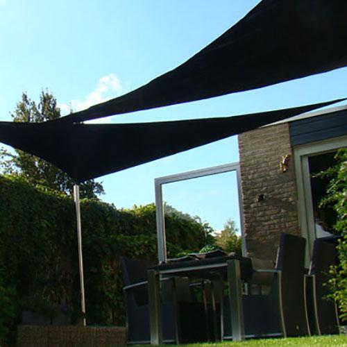 schaduwdoek driehoek 5x5x5m zwart sfeerfoto