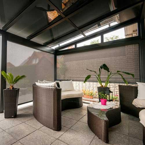 zip screen 300 lounge